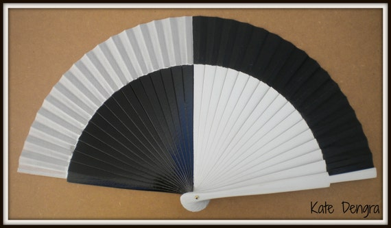 Retro 60's Inspired 24cm Hand Fan