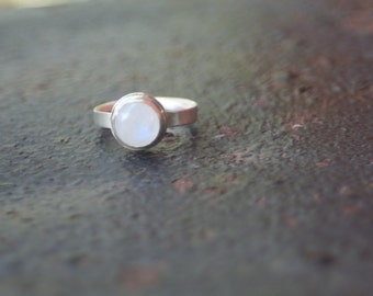 Round Rainbow Moonstone Bezel Setting Comfort Fit Band Sterling Silver Ring Size 7