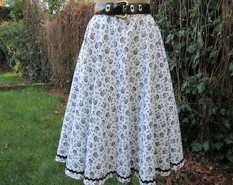 Cotton Skirt / Circle Skirt / Skirt Vintage / Cotton Circle Skirt / Full Cotton Skirt / Size EUR42 / UK14 / Black / White