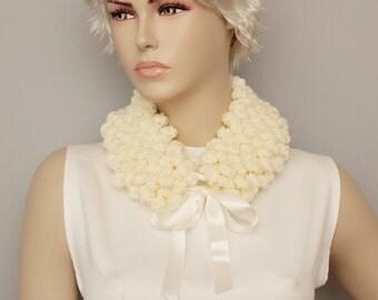 Crochet  bubble neckwarmer ,scarf, woman scarf, gift , crochet scarf , creme ,ivory