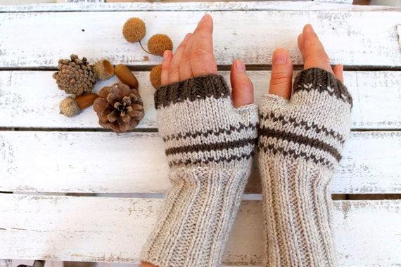 Hand Knit fingerless glove - Arm warmer - Winter fashion - Trendings item - Winter accessorie