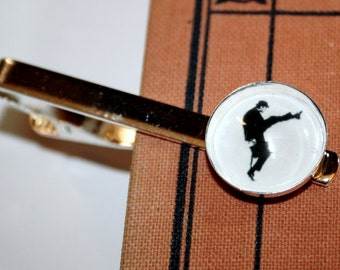 Mister Silly Silhouette Tie Pin silvercolored - Man Men funny british humour walk python brother father boyfriend gift jewelry