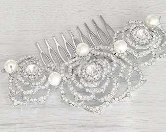 Bridal crystals flower hair comb. Vintage style crystal pearl wedding hair piece. Bridal crystals hair accessory. Bridal party