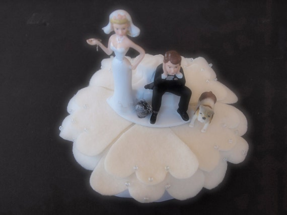 wedding cake toppers bride groom and dog cake topper wedding and groom by artisanfeltstudio 26422