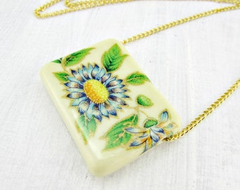 Vintage Blue Flower Necklace, Resin Flower Necklace, Square Pendant Necklace, Gold Chain, 1970s Retro Floral Vintage Jewelry, Gift for Her