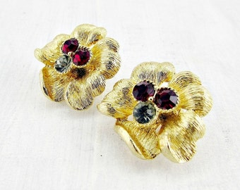 Vintage Rhinestone Flower Earrings, Gray Red Rhinestone Earring, Gold Flower Earrings, Clip-on Earrings, 1950s 1960s Vintage Costume Jewelry