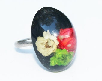Vintage Black Lucite Ring with Flowers