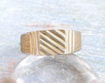 Geometric Signet Ring - Size 8