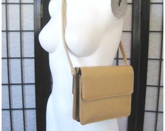 Vintage 1960s 1970s Purse Leather Shoulder Bag Markay Sleek Modern Handbag Goldtone Metal Camel Butter Yellow Beige Butterscotch Crossbody