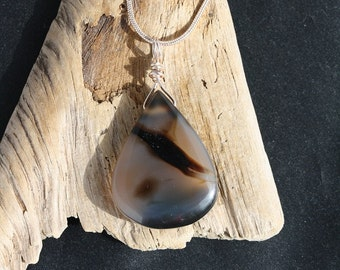 Tear drop shaped Madagascar Agate Rose Gold Necklace - Item 1297
