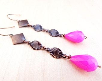 Bright magenta teardrop earrings // long copper earrings // hot pink geometric earrings