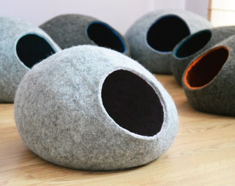 Pet bed / Cat bed / Cat cave / puppy bed / cat house / pet furniture / cat nap cocoon. Two color felted cat bed XS, S, M, L or XL sizes