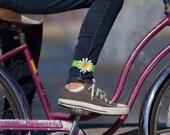 Petal Brite reflective daisy leg band