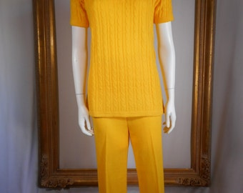 Vintage 1970's Yellow Cable Knit Pant Set - Size 12