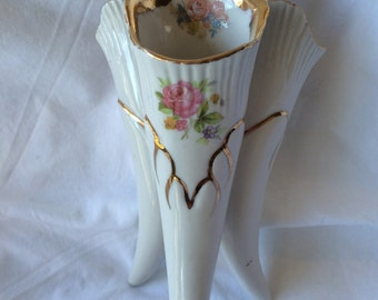 Traditional Flower pattern 3 Section Vase