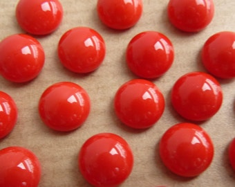 12 glass cabochons, Ø8mm, opaque red, round