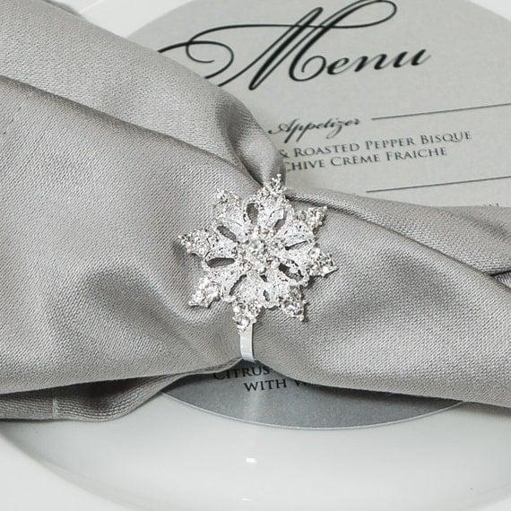 100pcs Snowflake Napkin Rings, Rhinestone Wedding Napkin Rings Christmas Napkin Ring Winter Wedding Table Decor Wedding Bling, 541-N