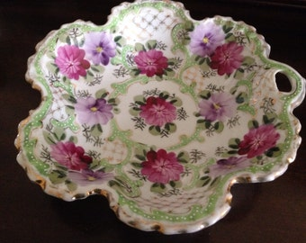 Beautiful China Bowl - Floral Pattern in Lilac and Green