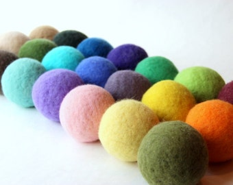 Wool dryer balls set of 4, choose your colors. Handmade of 100% wool. Replaces fabric softener and dryer sheets for natural laundry care.