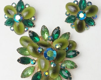 Vintage Beau Jewels Emerald Lime Green Aurora Borealis Rhinestone Large Brooch Pin Earrings Demi Parure Designer Costume Jewelry