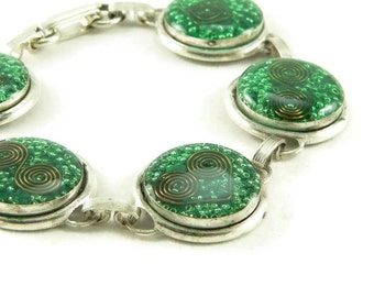 Orgone Energy Circle Link Bracelet in Antique Silver with Malachite Gemstone - Artisan Jewelry - Orgone Energy Jewelry
