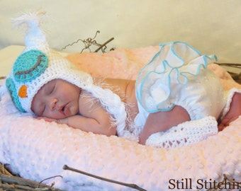 Newborn owl hat and legwarmers set