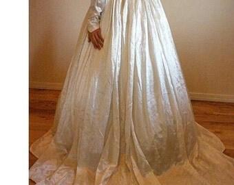 Vintage wedding gown. Old satin.