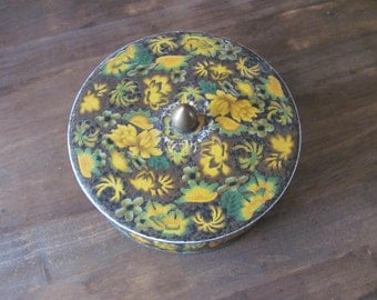 Vintage DAHER Floral Round Tin Made In England
