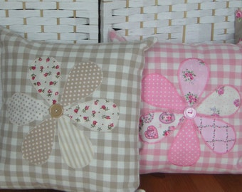 Handmade pillow, cushion cover. Applique daisy flower. Laura Ashley gingham and Clarke & Clarke dot. 100% cotton. Zip closure.