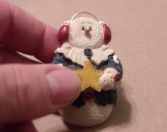 Frosty the Snowman, Frosty Brooch, Frosty Pin, Snowman Brooch, Cute Snowman Pin, Vintage Holiday jewelry....