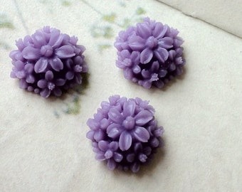 14 mm Purple Resin Tansy Flower Cabochons (.st)