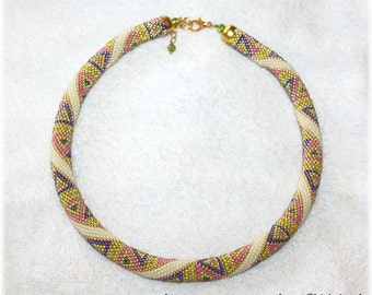 Gorgeous  bright geometric triangle pattern bead crochet necklace