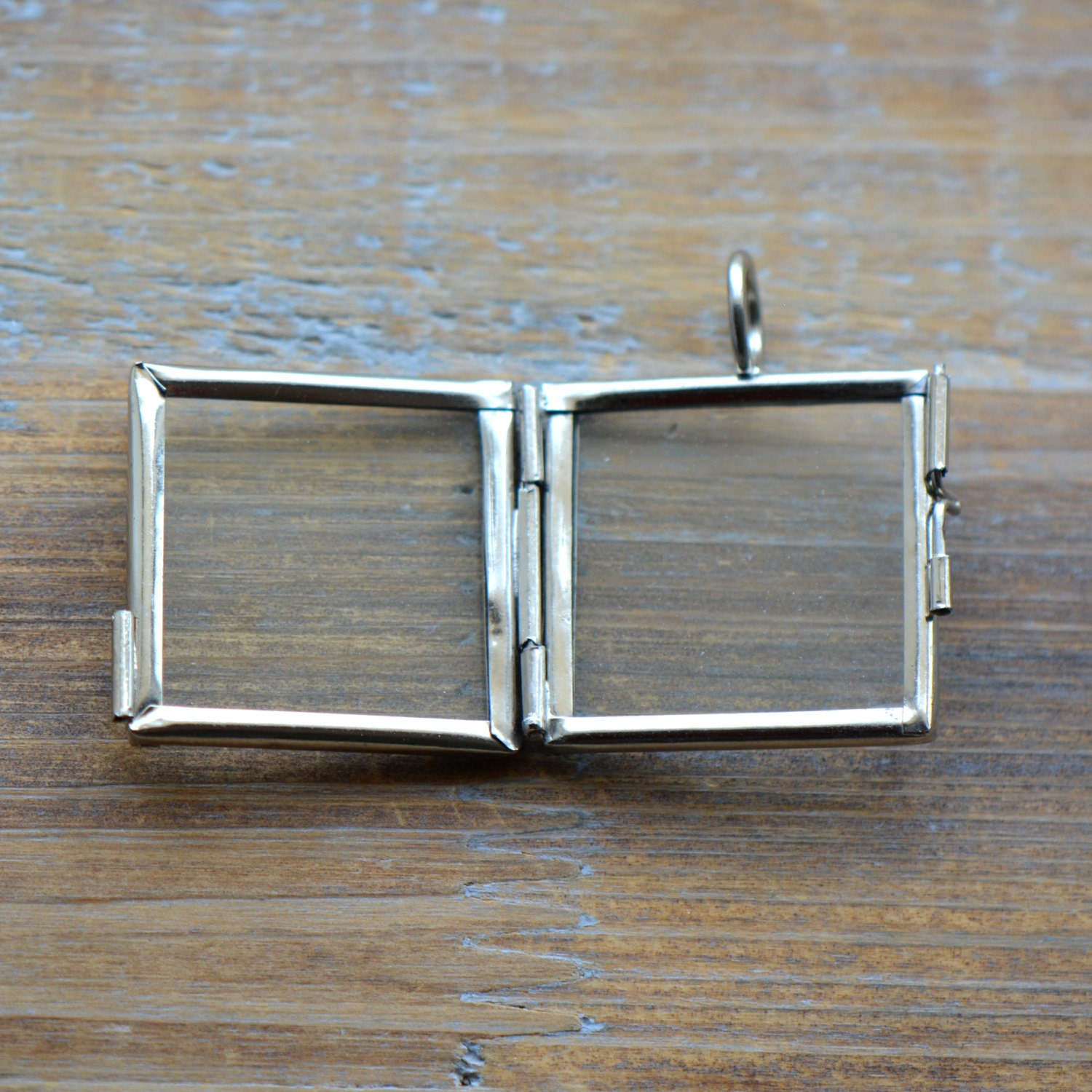 849 - Double Sided Glass Frame