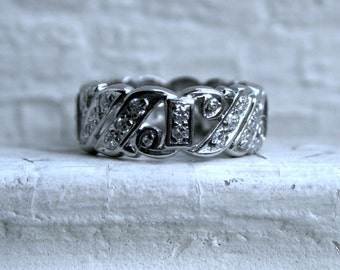 Vintage Platinum Diamond Ring Wedding Band.