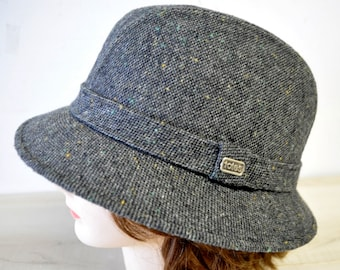 fabulous 1950s TOTES gray and black tweed Fedora hat