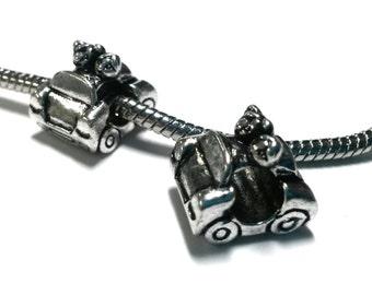 3 Beads - Sweetheart Couple in Car Silver European Bead Charm E1357