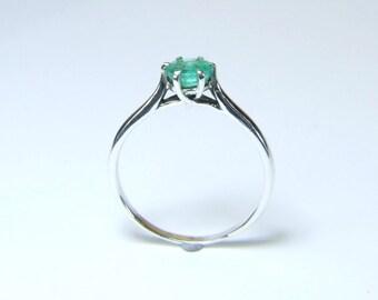 Emerald (5.2mm Transparent Genuine Emerald), 0.51 Carat, Round Cut, Sterling Silver Ring