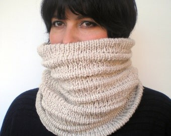 SALENatural Waved Fashion   Cowl Super Soft Wool Neckwarmer  Textured Cowl