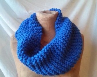 Chunky knit cowl in Royal Blue, chunky knit cowl, circle scarf, knit eternity scarf, winter accessories