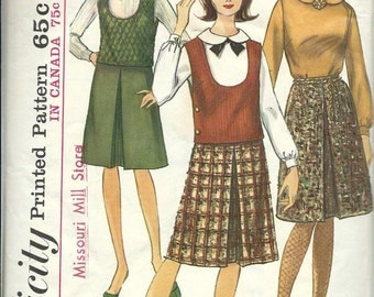 VTG Simplicity 6184 Misses Blouse, Top and Inverted Pleat Skirt Pattern, SIze 10