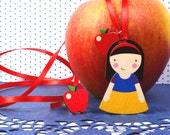 "Mintapalinta POP ""Snow White and Apple' Wooden Pendant, Kids' Jewelry, Unique Designed Girls' Jewelry, Free Shipping"