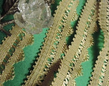 """Vintage 1950's  1"""" Beautiful Victorian French  Scalloped Braided Lopped Decorative Lace Light Gold Rayon Sewing Trim"""