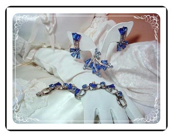 "Juliana ""Kool"" Blue Rhinestone Bracelet, Earrings Brooch Parure Set - Sapphire Blue Kite D and E       Para-789a-010808075"