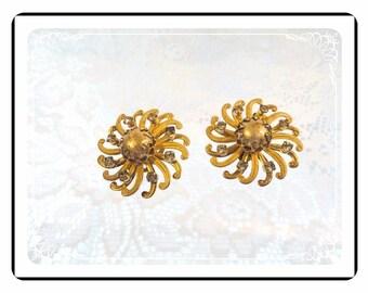 Vintage Kramer Earrings -  Swirling Pinwheel Clipons  - Sparkling E519a-040812000