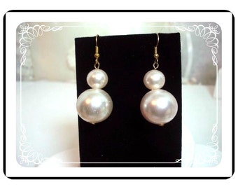 Pearl Pierced Earrings - Big Chunky Faux Pearl Pierced Earrings - Bold White Baubles   E210a-04081200