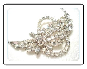 Icy Rhinestone Necklace - YUM Delightful    Neck-1428a-031210000