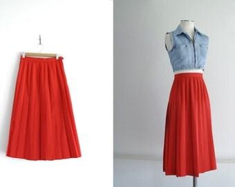 Vintage Pleated Midi Skirt - Red Pleated Skirt - Accordion Pleats -  High Waisted - Below Knee Length - Union Made - Size 6 - Waist 25