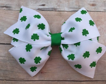 St. Patrick's Day hair bow - shamrock hair bow, girls hair bows, toddler bows, shamrock bow, st patricks day