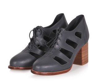 MOONLIGHT. Leather booties / womens oxfords / leather oxford shoes / grey leather shoes. Sizes 35-43. Available in different leather colors