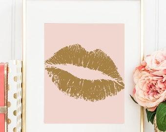 Faux Gold Wall Gold Lips Art Print, Chic Home Decor, Chic Wall Art Gold Lips Kiss, Fashionista's Wall Decor Gold Lips Kiss Art